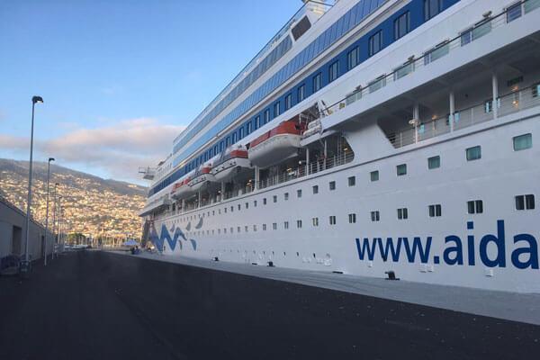 Kreuzfahrtschiff AIDAcara durch MLC-8000 gesteuert